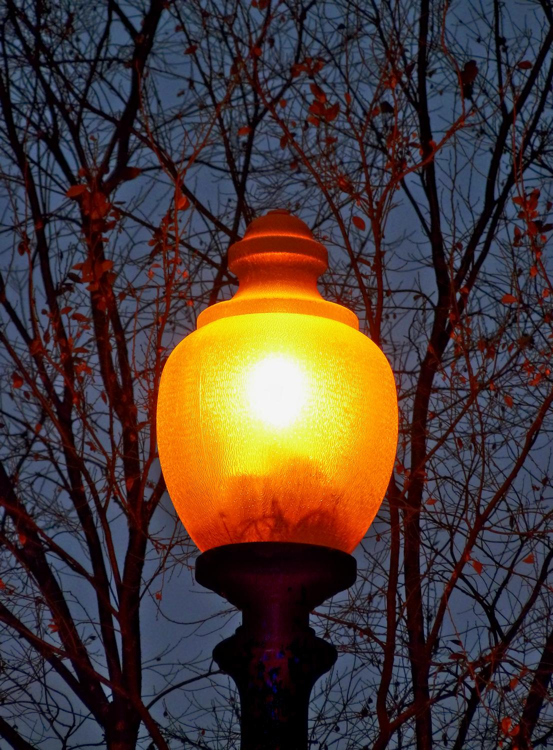 lamp light in Washington DC at dusk - <center>A light in DC - Techno-Impressionist Museum - Techno-Impressionism - art - beautiful - photo photography picture - by Tony Karp